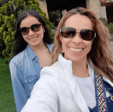 Rocio Arenas Bello y Daniela Roa Arenas